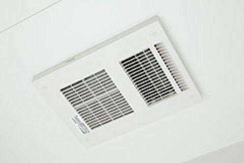 冷暖房・空調設備 浴室換気乾燥機 同仕様 雨の日のお洗濯には重宝しますね