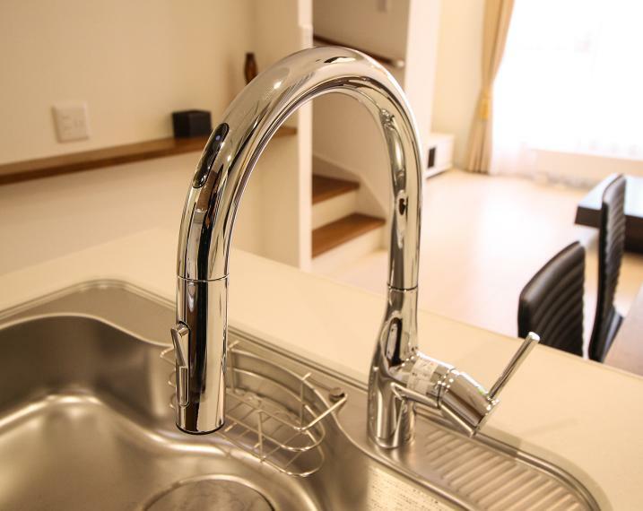 タッチレス水栓