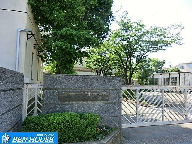 中学校 川崎市立日吉中学校 徒歩5分。