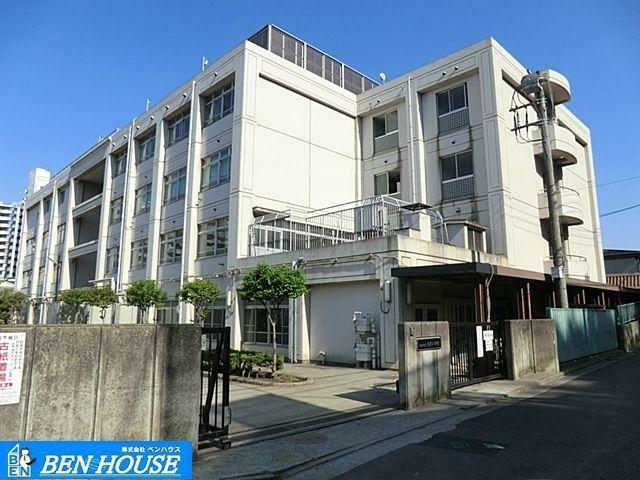 小学校 川崎市立日吉小学校 徒歩15分。