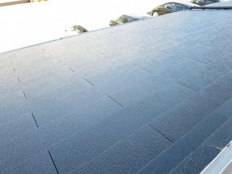 外観写真 【リフォーム済】屋根はコロニアル仕上げで葺き替えを行いました。雨漏りも心配なく生活できますね。