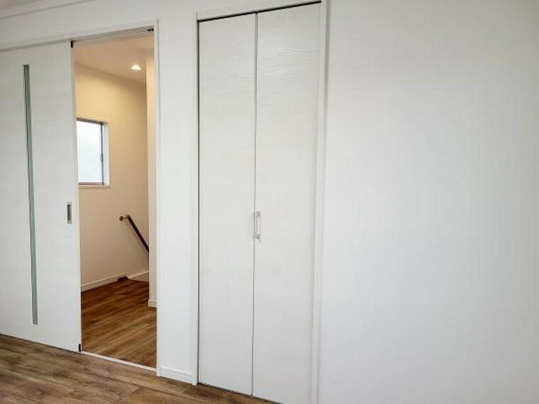 【リフォーム済】2階6帖洋室はクローゼットを設置しました。お子様のお部屋にいかがですか。