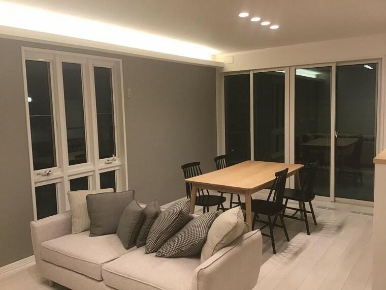 居間・リビング 【B区画】明るい色を基調をしたLDKです。家具を合わせやすい人気のコーディネートです。