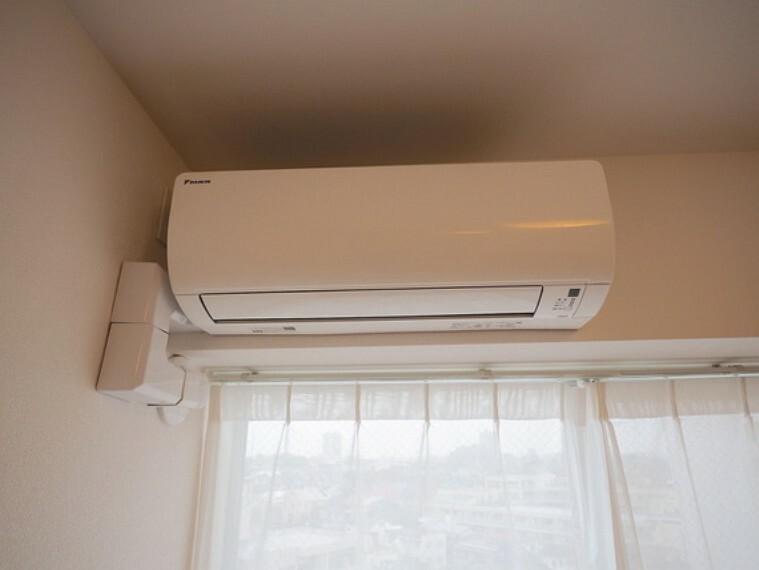 エアコン・照明がはじめから付いているので、初期費用を抑えられます