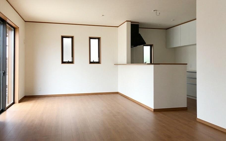 居間・リビング 現地写真:LDK(5号棟)