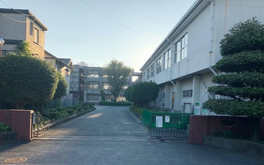 楡木小学校