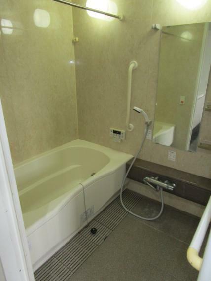 浴室 1日の疲れを癒せる浴室!追炊機能・浴室換気乾燥付!