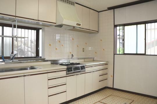 キッチン 調理スペースも広々