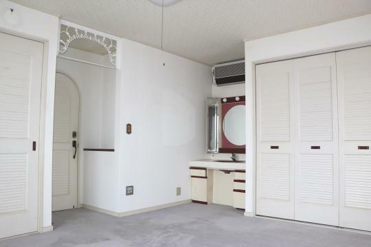 洋室 白を基調とした清潔感のある洋室