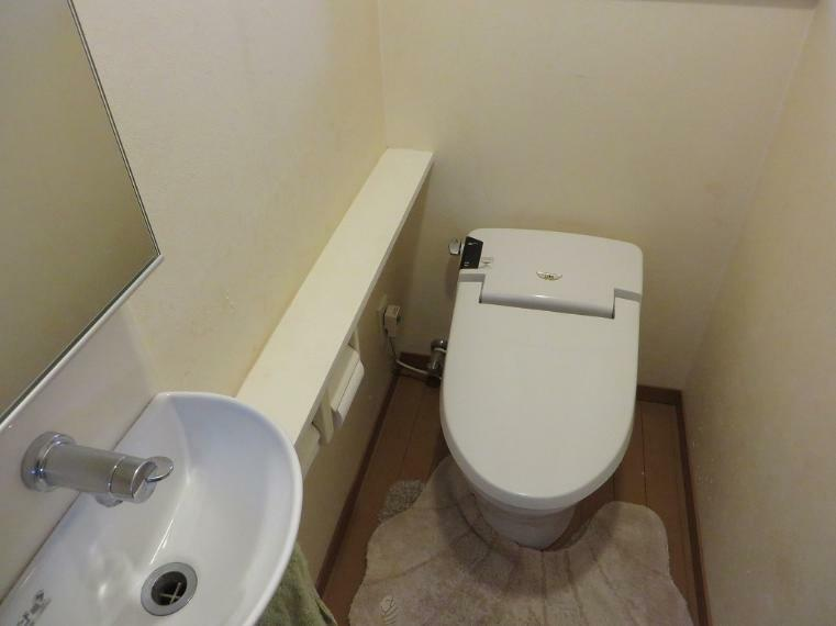 トイレ トイレ内に洗面があります