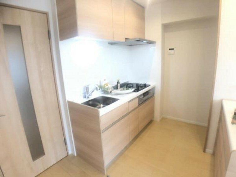 キッチン 空間効率がよく、お部屋を広々と使える壁付けキッチンです