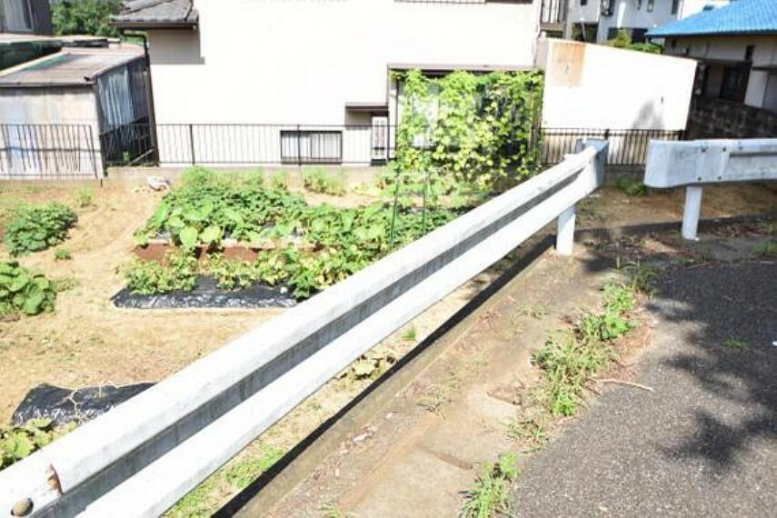 現況写真 第一種低層住居専用地域の閑静な住宅街です。