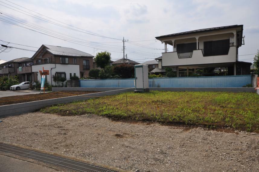 現況写真 西武新宿線「狭山市」駅から徒歩9分の立地。更地ですので、解体費用などの費用が必要なくすぐに建設を開始出来ます。素敵なお家作りをしていきましょう 2区画現地(2020年11月)撮影