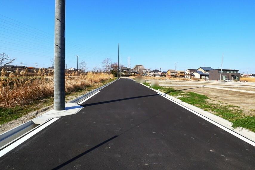 現況外観写真 西側前面道路