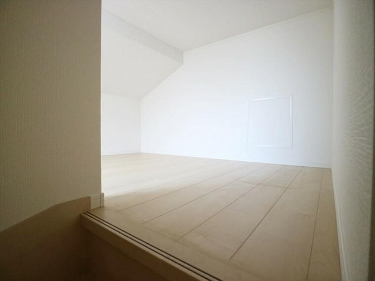 3階部分の小屋裏収納。 ハシゴではなく階段で上がっていけますので、とても実用的ですよ!