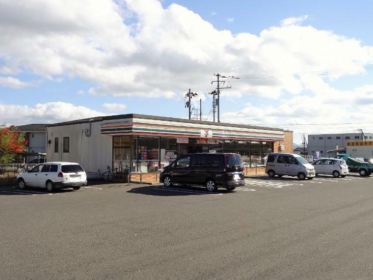 コンビニ セブンイレブン 福島桑折バイパス店