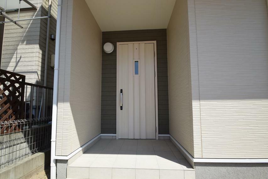 外観写真 玄関前