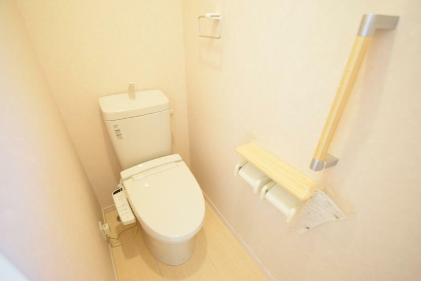 トイレ 温水便座(二階)