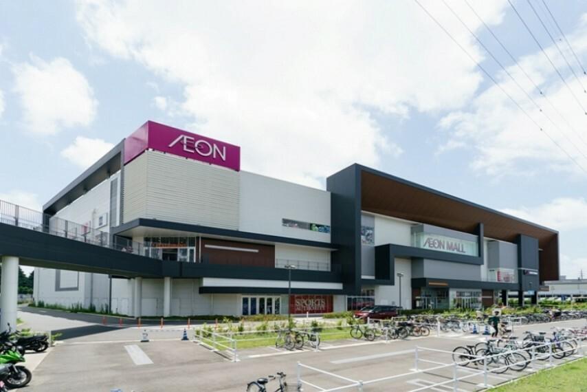 ショッピングセンター 映画館も入る大型複合商業施設。ファッションやグルメの専門店も充実しています。(イオンモール座間・約1520m/徒歩19分)