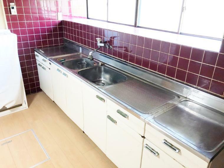 キッチン 作業スペースの広いキッチン