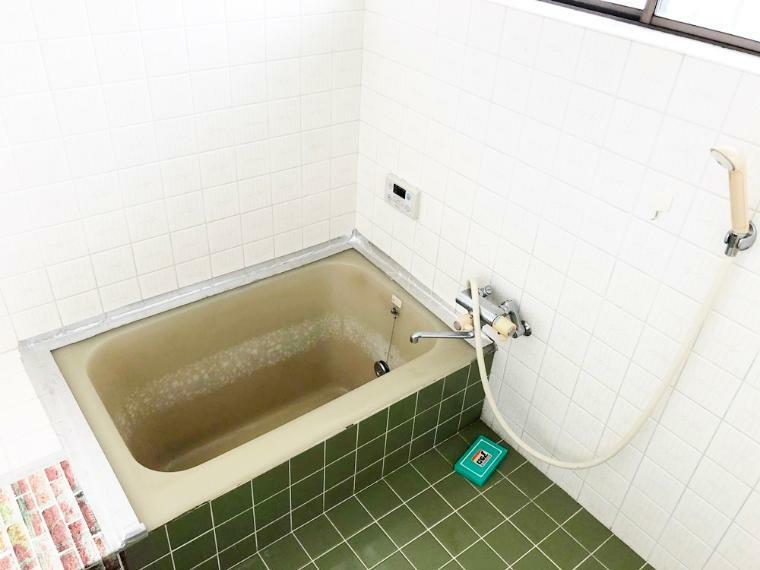 浴室 明るい浴室