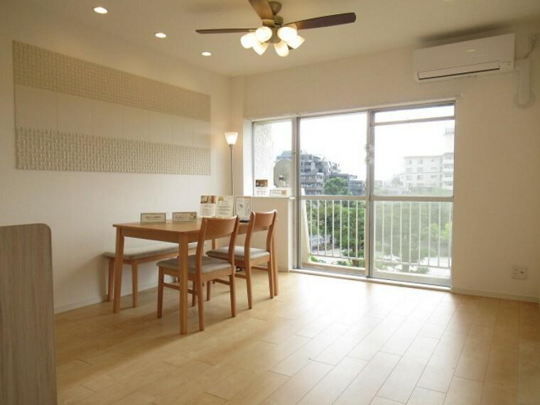 居間・リビング ご家族だんらんのスペースとなるリビング。家具の配置がしやすい広さを確保しています!