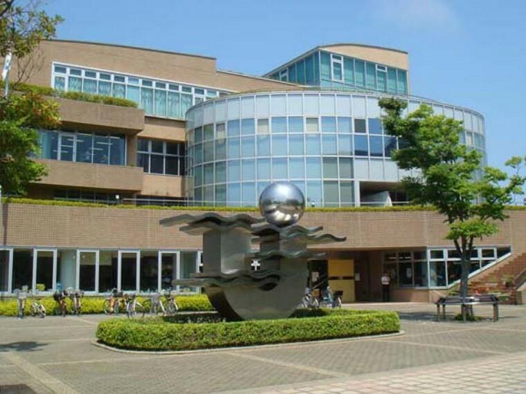 図書館 浦安市立図書館日の出分館