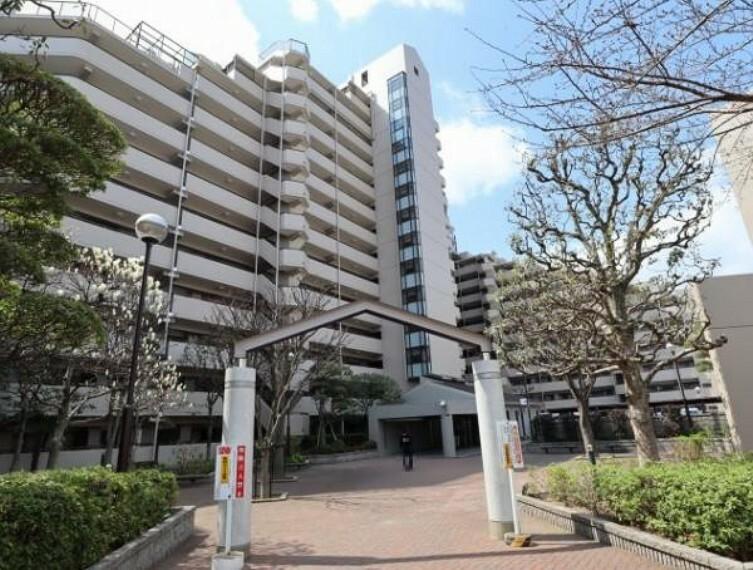 外観写真 SRC造り14階建てのマンション!