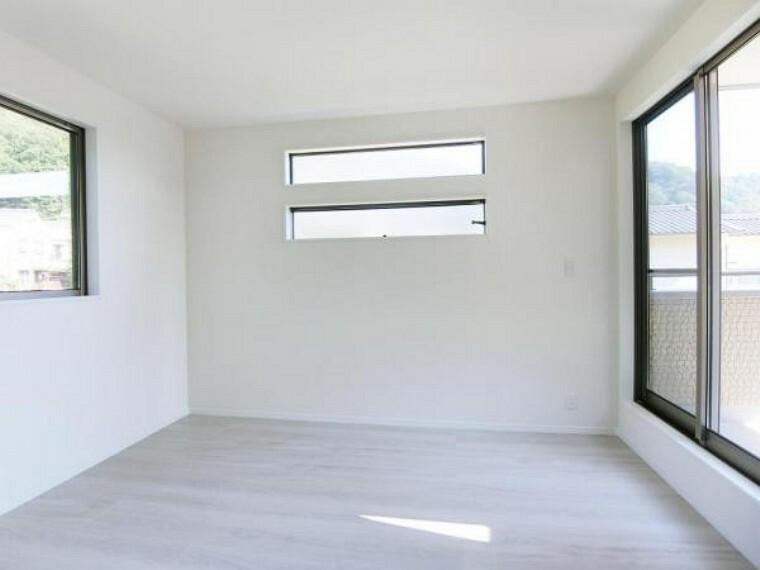 2階の洋室は全て6.0帖以上・角部屋・2面採光以上なので、広く・明るく・開放感あふれる生活空間です。