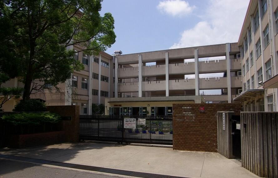 小学校 【小学校】川西市立 加茂小学校まで1416m
