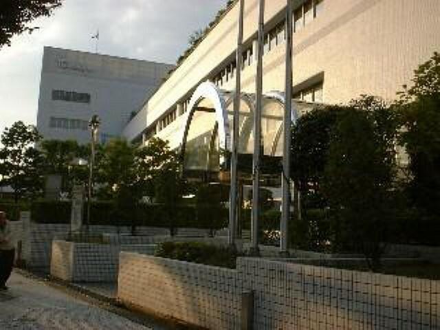 図書館 【図書館】川西市立中央図書館まで896m