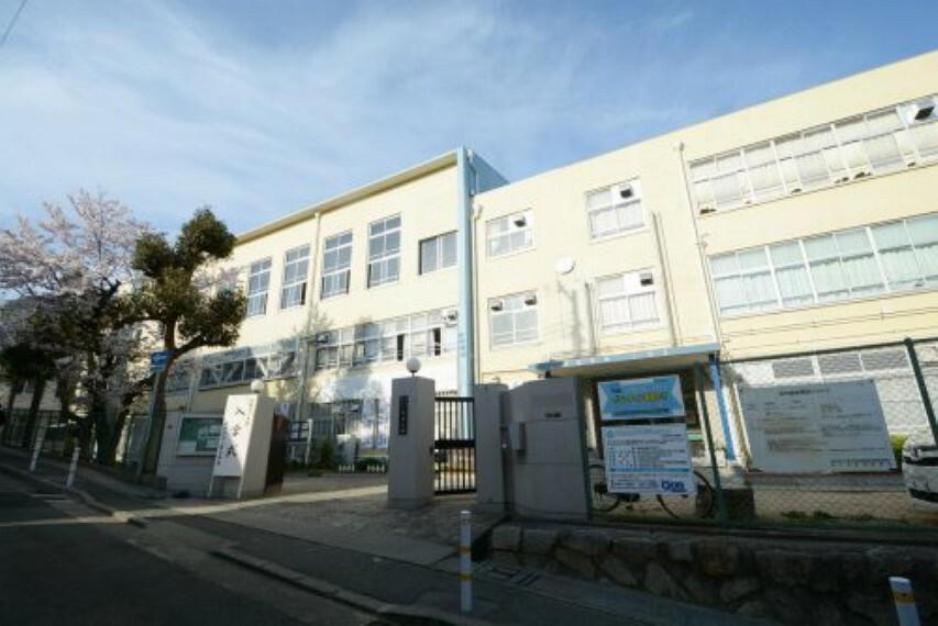 中学校 【中学校】神戸市立上野中学校まで1288m