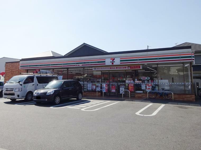 コンビニ セブンイレブン名古屋勢子坊3丁目店