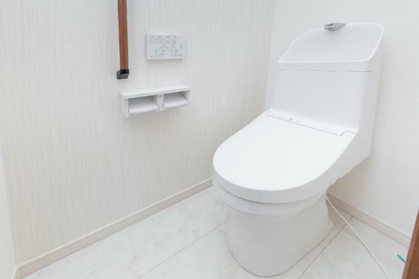 同仕様写真(内観) 【16号棟】1階トイレ