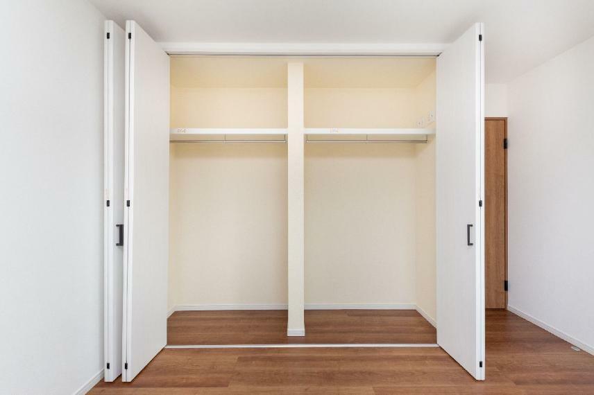 収納 【16号棟】主寝室クローゼット