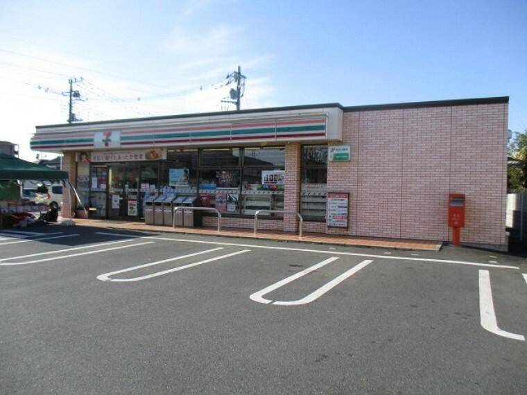 コンビニ セブンイレブン鴻巣市役所前店