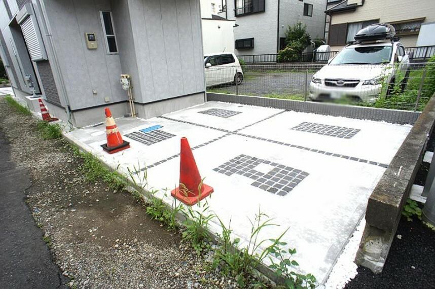 駐車場 生活に欠かせない駐車スペース。