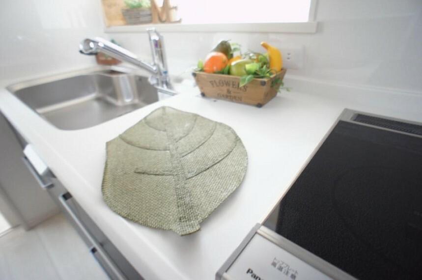 キッチン 広い調理スペースが人気のキッチンです。