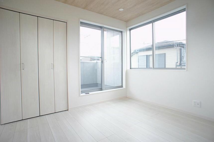 子供部屋 2面採光を確保した明るい空間。家族みんなが快適な暮らしを実現する設計です。