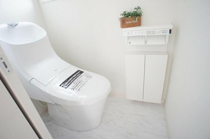 トイレ トイレは1階と2階それぞれに配置されていてとても便利です。
