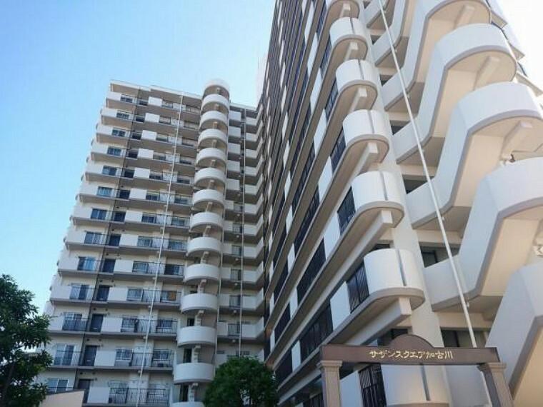 外観写真 15階建ての3階です。
