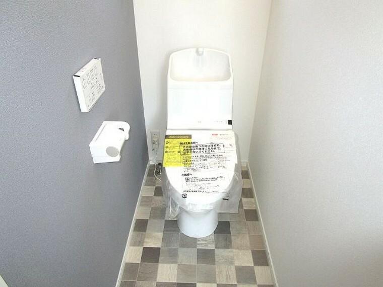 トイレ 各階に手洗付きウォシュレットトイレ