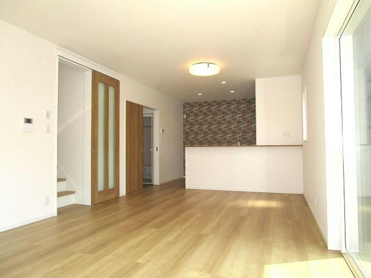 居間・リビング リビングに階段があります!家族の集うくつろぎ空間!