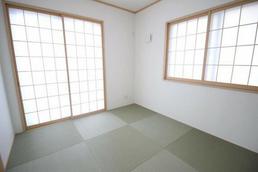 約5帖の和室です。畳のお部屋は寛げる空間ですね。