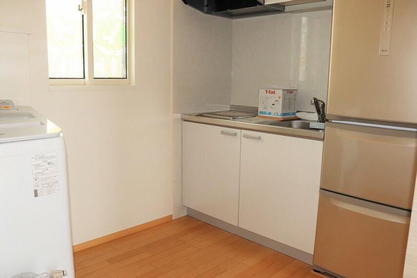 キッチン 2階ミニキッチン 洗濯機付き