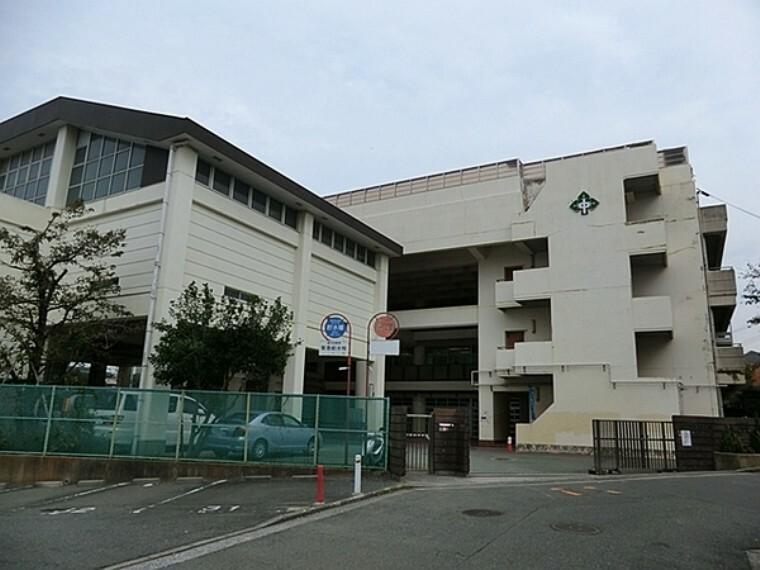 中学校 横浜市立森中学校