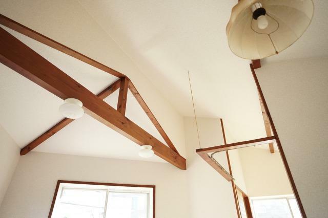リビングダイニング LDKは天井が高く開放的な空間を演出しております!!