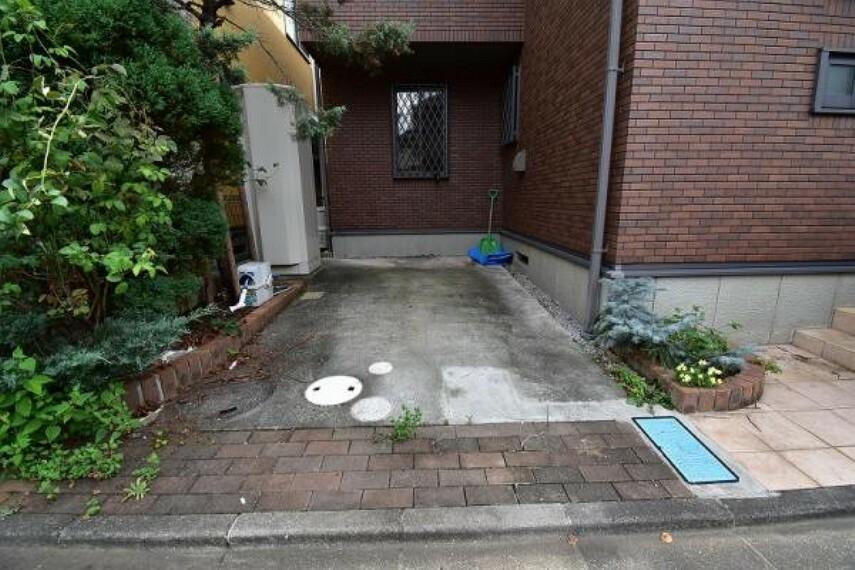 駐車場 駐車スペース!