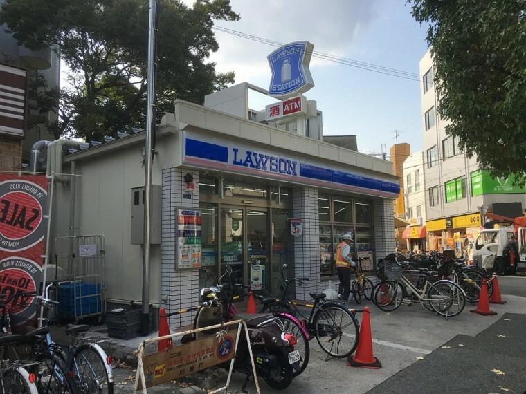 コンビニ 【コンビニエンスストア】ローソン 尼崎武庫之荘駅前店まで394m