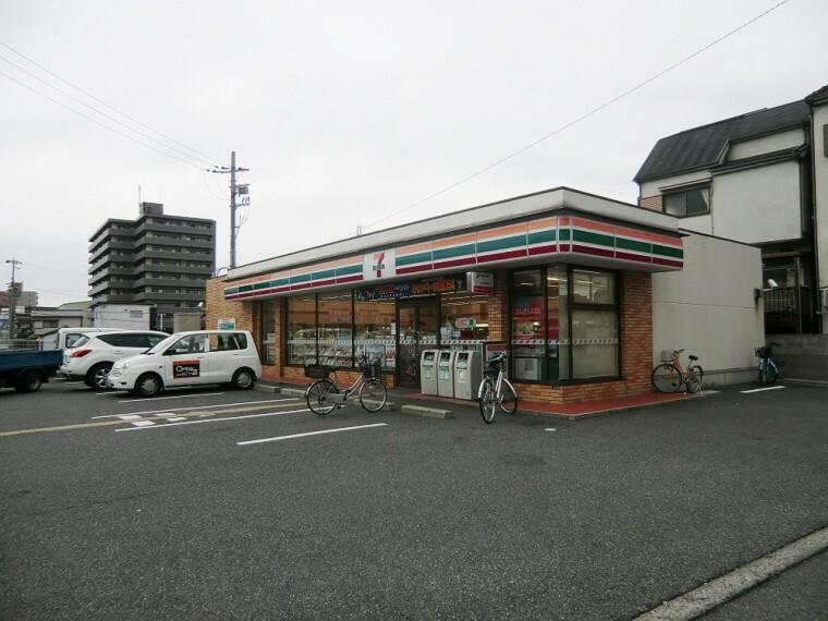 コンビニ 【コンビニエンスストア】セブンイレブン尼崎額田町店まで925m